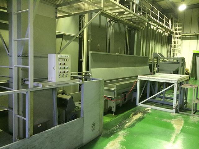 原料張り込み室